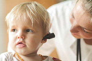 glue-ear-toddlers-children-signs-treatment_181630