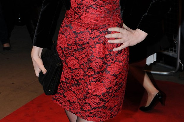gorgeous-isla-fishers-first-red-carpet-appearance-since-giving-birth-_16912