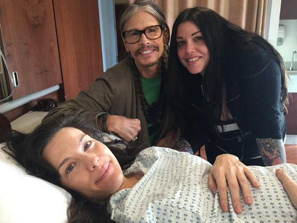 granddad-steven-tyler-makes-it-just-in-time-to-see-livs-early-birth_84315