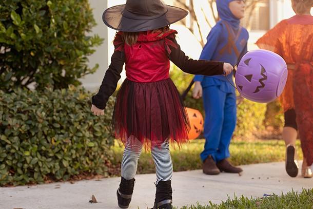 halloween-costumes-be-aware-of-safety-risks_165275