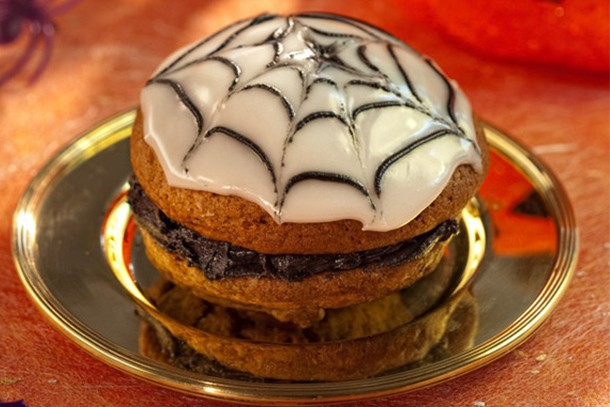 halloween-spider-whoopies-recipe_61123