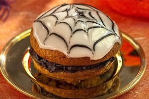 halloween-spider-whoopies-recipe_61124