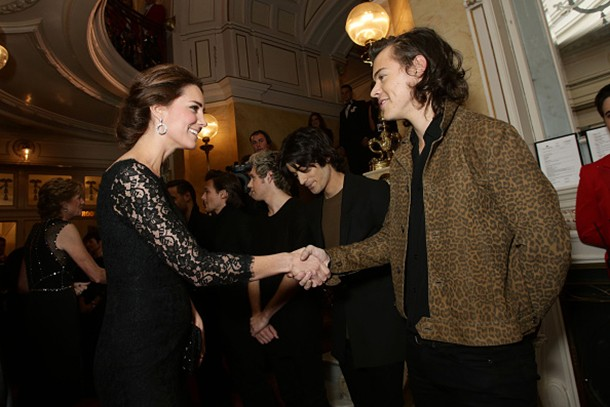 harry-styles-congratulates-kate-middleton-on-her-bump_63013