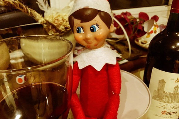 has-anyone-else-caught-their-elf-on-the-shelf-slacking-off_134487