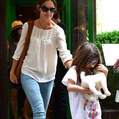 has-suri-cruise-finally-got-the-puppy-she-wanted-_73053