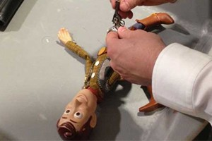 heathrow-security-confiscate-toy-story-woody-dolls-gun_56104