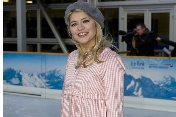 holly-willoughby-back-on-tv-a-month-after-having-baby-belle_21446