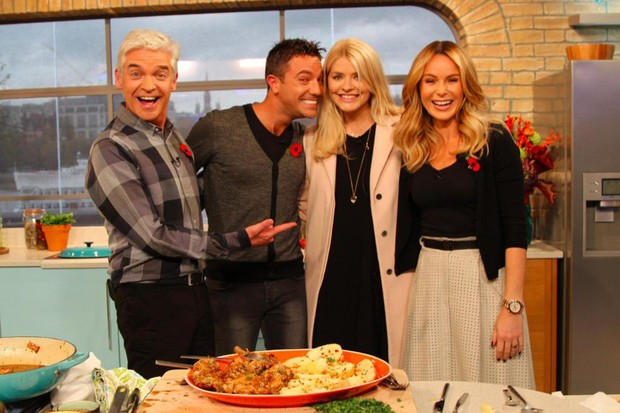 holly-willoughby-brings-baby-chester-to-this-morning_62891