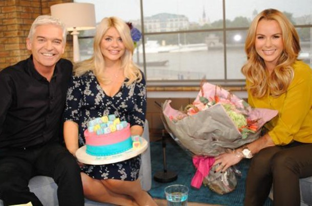 holly-willoughby-cries-as-she-goes-on-maternity-leave_61000