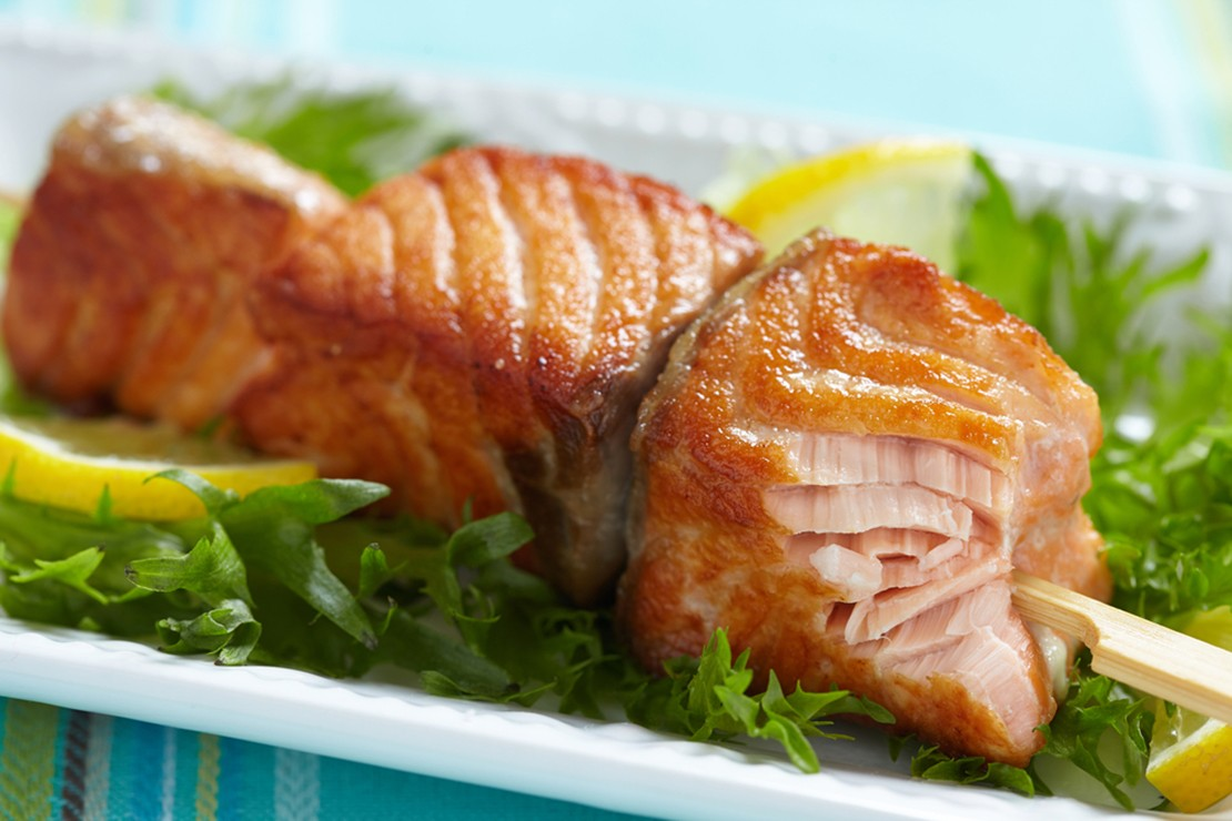 honey-salmon-kebabs_85122