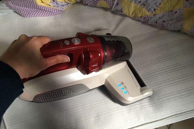 hoover-ultramatt-handheld-vacuum-cleaner_177796
