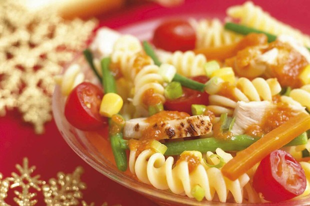 hot-turkey-and-pasta-salad-with-four-veg_9434