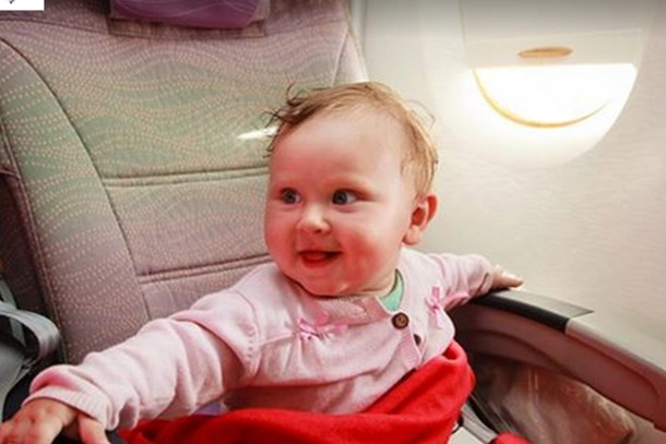 how-a-stranger-on-a-plane-brought-one-mum-to-tears_152661