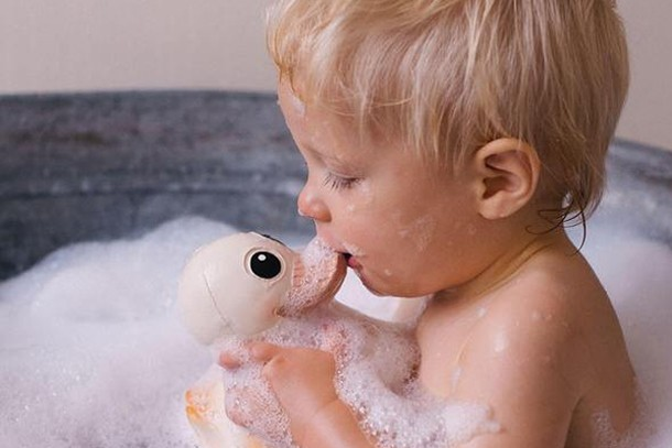 how-to-clean-bath-toys_195729