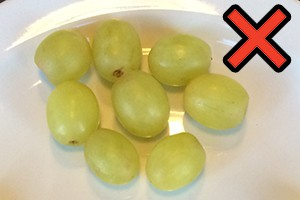 how-to-cut-grapes-for-toddlers-the-right-way-to-avoid-choking_143542