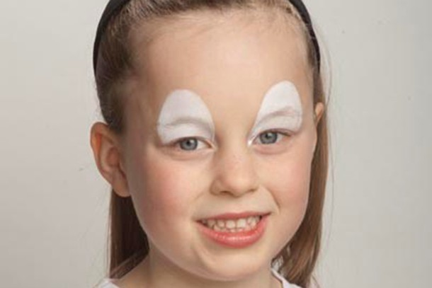 how-to-face-paint-an-easter-chick-step-by-step_84377