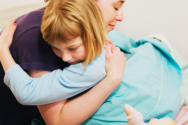 how-to-get-your-child-dry-at-night_hug22