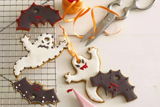 how-to-make-annabel-karmels-bat-and-ghost-cookies_61163