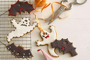 how-to-make-annabel-karmels-bat-and-ghost-cookies_61164
