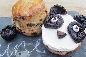 how-to-make-gbbo-star-frances-quinns-prune-panda-scones_161049