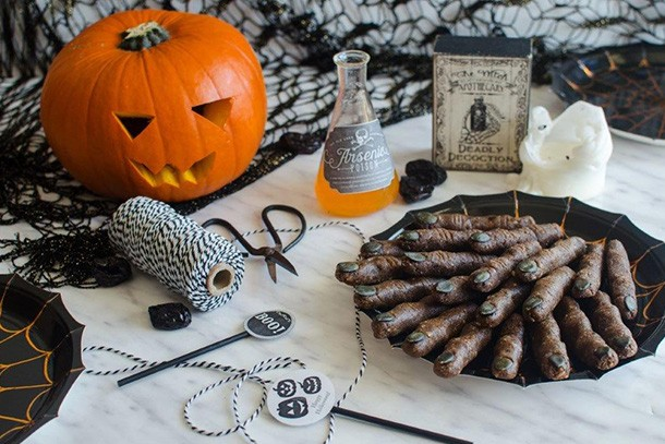 how-to-make-raw-witches-fingers-for-halloween_164383