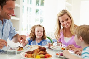 how-to-reduce-the-risk-of-your-child-developing-an-eating-disorder_56034