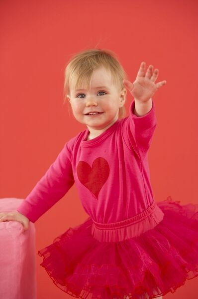 how-your-baby-learns-to-stand_108