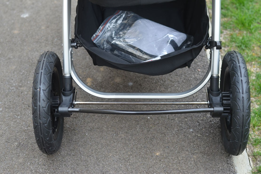 The Ickle Bubba Stomp V3 has large, hardwearing tyres