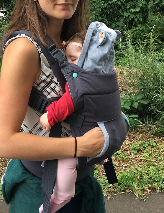 infantino-cuddle-up-carrier_182254