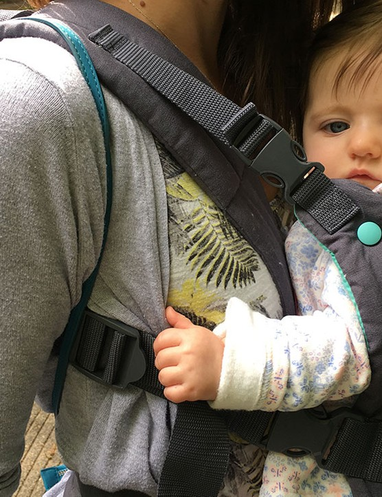 infantino-cuddle-up-carrier_182261