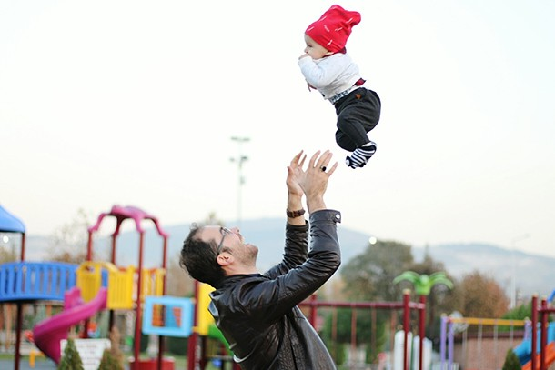is-it-safe-to-throw-baby-in-the-air_206358