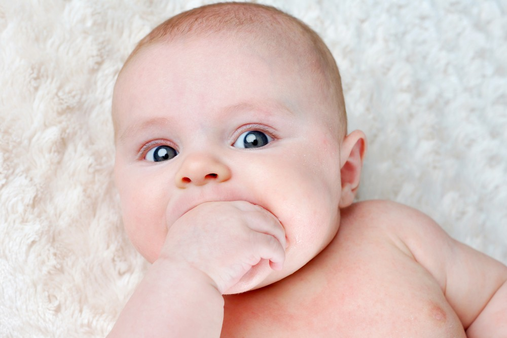 is-your-baby-teething_73908