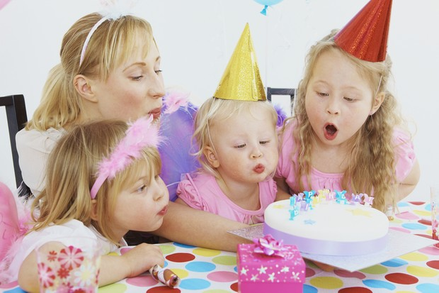 its-official-mums-compete-over-childrens-parties_12991