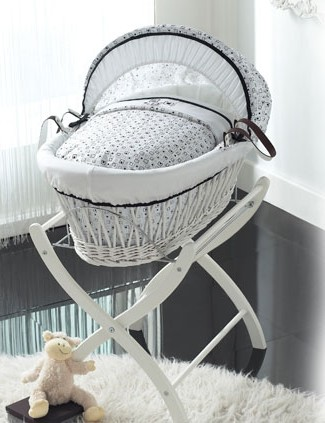 izziwotnot-kaleidoscope-white-wicker-moses-basket-with-stand_11433
