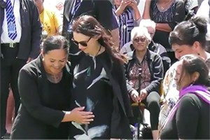 jacinda-ardern-bump-touch-assault_191801
