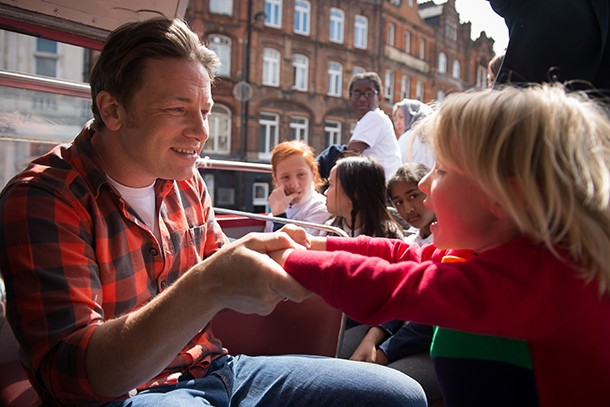 jamie-oliver-reveals-just-how-many-sweets-his-kids-really-eat_134749