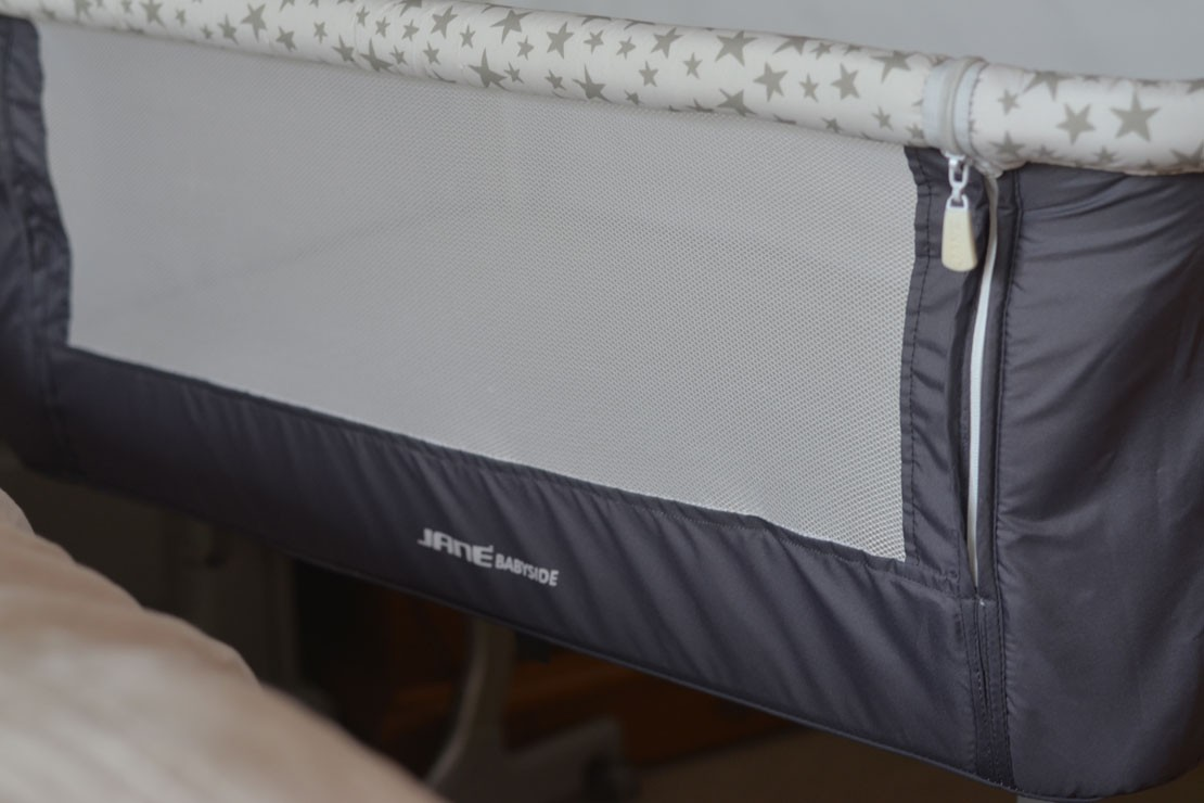 jane-babyside-bedside-crib_janecrib06