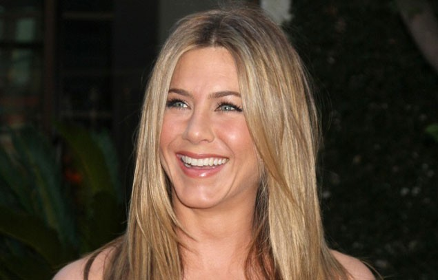 jennifer-aniston-house-hunting-for-a-family-home_18975