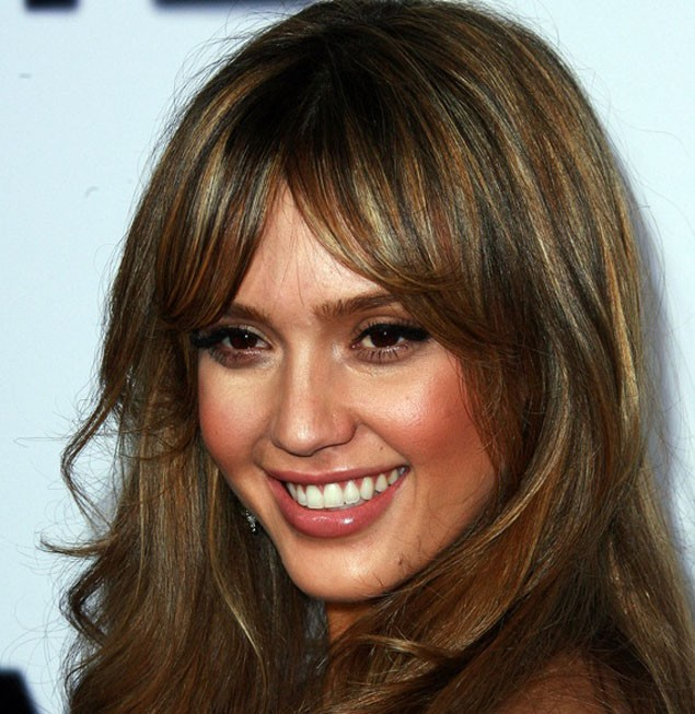 jessica-alba-attends-the-outstanding-mother-awards_10346