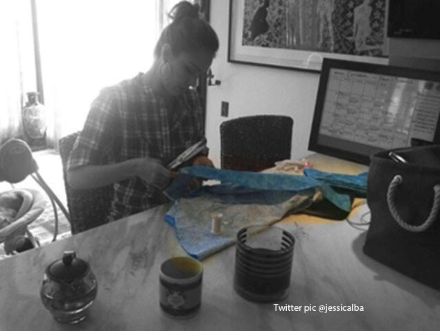 jessica-albas-halloween-preparations-are-full-on_29073
