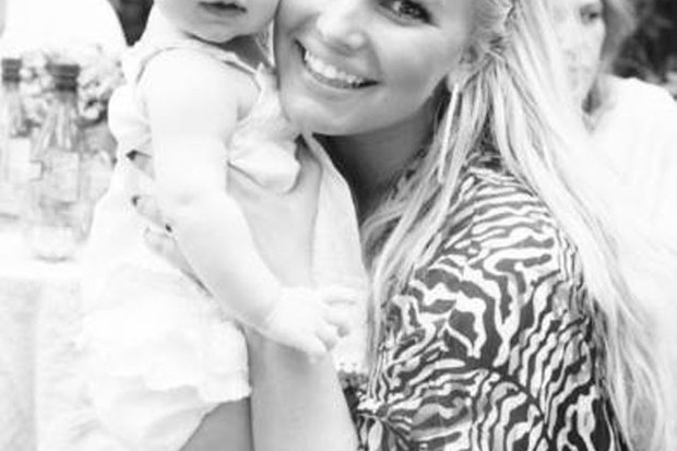 jessica-simpson-shares-family-photos_73185