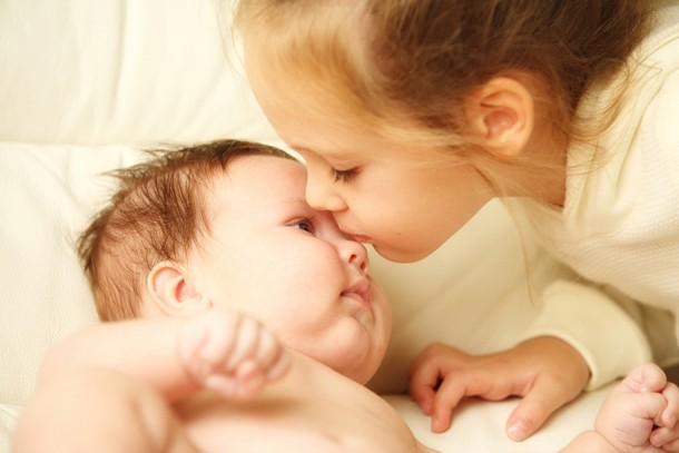 jo-frost-how-to-cope-with-a-toddler-and-a-new-baby_88351