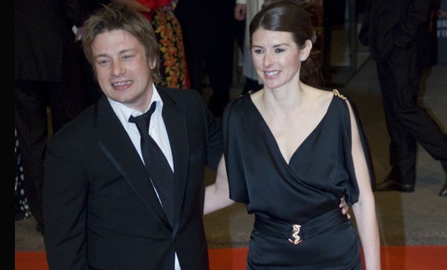 jools-and-jamie-oliver-expecting-fourth-baby_11203