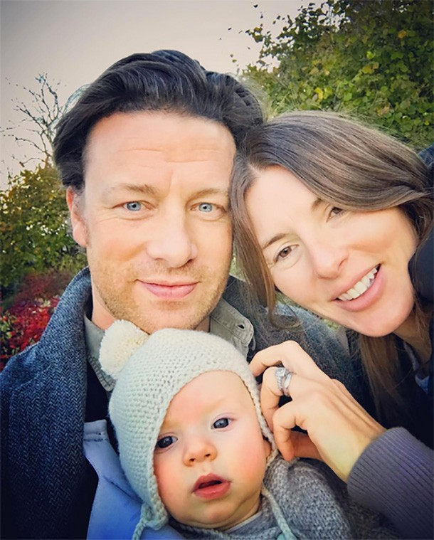 jools-oliver-jamie-oliver-and-children-family-facts_170128