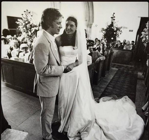 jools and jamie oliver wedding pic