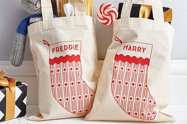 jumbo-personalised-stocking-santa-and-snowman_134486