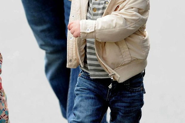 kai-rooney-is-best-dressed-toddler-at-man-utd-match_27196