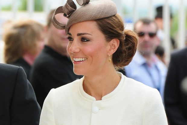 kate-middleton-pregnancy-doll-the-new-must-have_31749