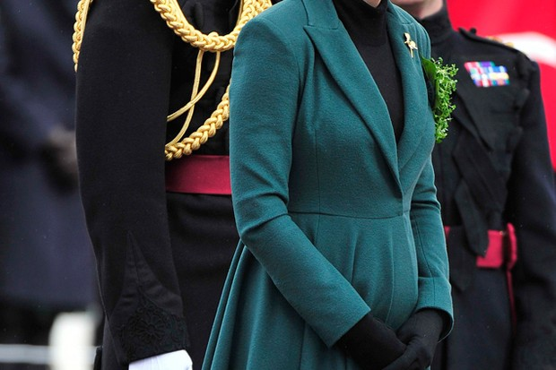 kate-middleton-wears-fit-and-flare-coat-get-the-look_45885