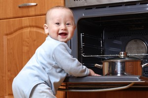 keeping-your-child-safe-in-the-kitchen_53376
